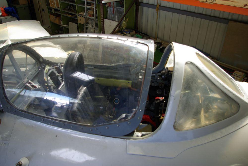 MiG-15_canopy_(MAA).jpg