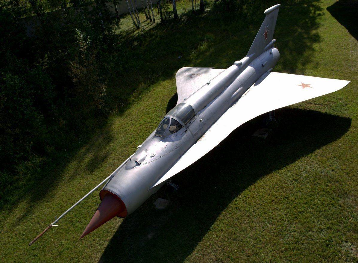 MiG-21I-2-v-Monino..jpg